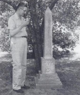Robert Quillen and the Eve Marker Photo, Click for full size