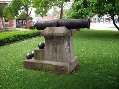 Side View - - Cannon behind Veterans Marker Photo, Click for full size