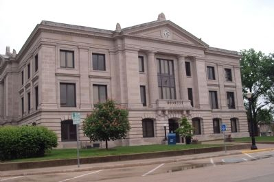 West Side of Hendricks County Courthouse Photo, Click for full size