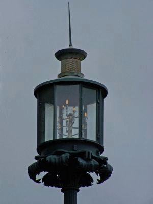 Old Harbor Light close-up image. Click for full size.