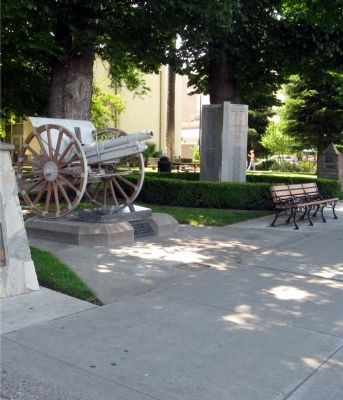 Modesto War Memorials Photo, Click for full size