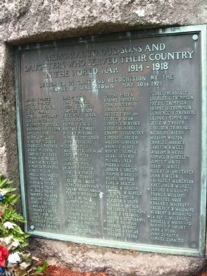 Memorial to Our Sons and Daughters Who Served Their Country in the World War 1914-1918 Marker Photo, Click for full size