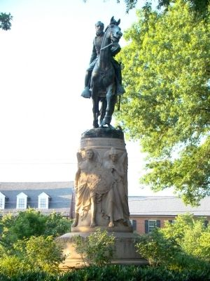 Thomas Jonathan Jackson Statue Photo, Click for full size