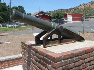 Cannon on Display at Copperopolis Elementary School image. Click for full size.