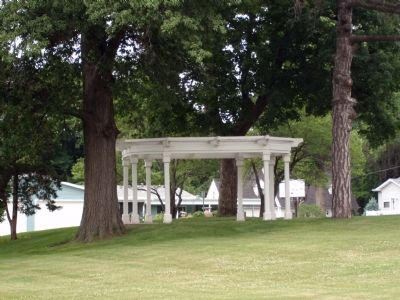 A 'Pergola' on the North Lawn. image. Click for full size.