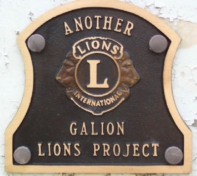 Lions Club Marker on Cannon Base image. Click for full size.