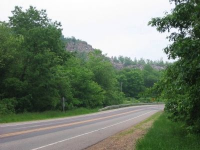 Southbound towards Van Hise Rock image. Click for full size.