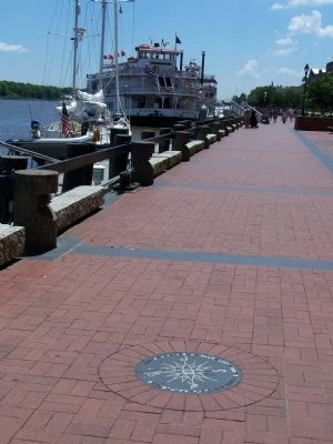 Gen. Oglethorpe's Landing Marker, looking eastward, riverside Photo, Click for full size