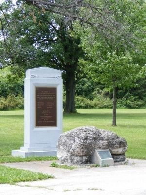 Turkey Foot Rock and Native American Memorial Photo, Click for full size
