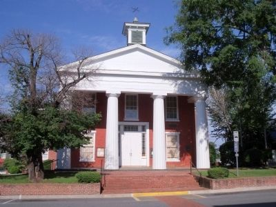 Brunswick County Courthouse image. Click for full size.