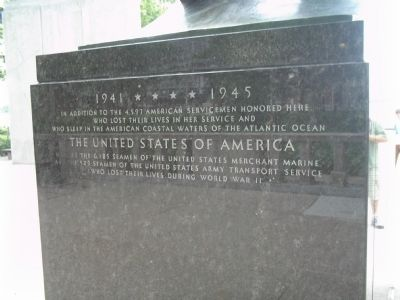 East Coast Memorial Marker </b>(north side) image. Click for full size.