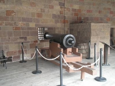 Cannon in Castle Clinton image. Click for full size.