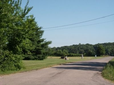Looking North - - Lodi Mineral and Artesian Well Marker Photo, Click for full size