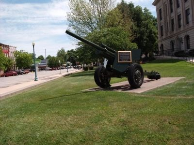 Full Right View - - Spanish American War Veterans Gave Their Cannon Marker image. Click for full size.