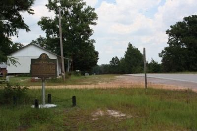 Claxton Historic Burial Site Marker, looking eastward along US 319 image. Click for full size.