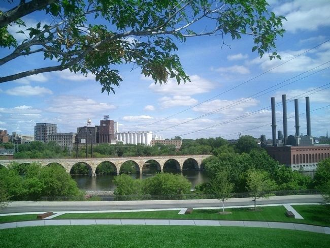 The Stone Arch Bridge image. Click for full size.