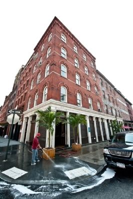 Fulton Fish Waist - 142 Beekman Street Photo, Click for full size