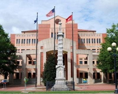 Anderson County Confederate Monument<br>Between the Third & Fourth (Shown) Courthouses image. Click for more information.