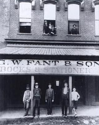 G.W. Fant and Son<br>511 (now 106) South Main Street image. Click for full size.