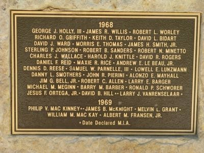 Plaque Located Right Center image. Click for full size.