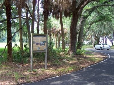 Parris Island Plantations Marker as seen at the Belleau Wood Rd. circle image. Click for full size.