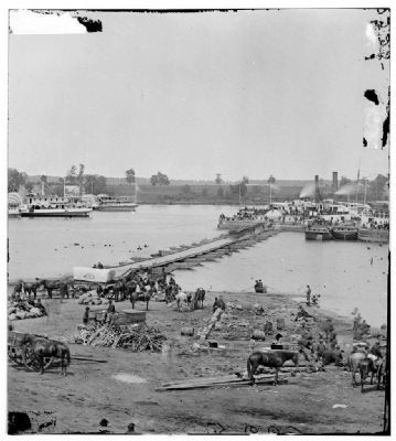 Port Royal, Va. The Rappahannock River front during the evacuation. image. Click for full size.