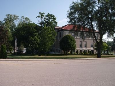 South/West Corner - - Newton County Courthouse image. Click for full size.