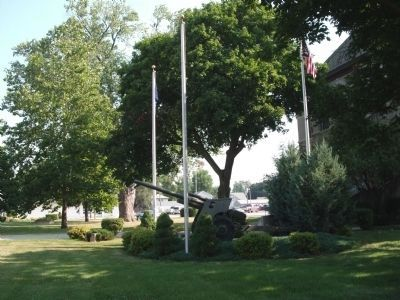 War Memorial - Pocket Park on Courthouse Lawn... image. Click for full size.