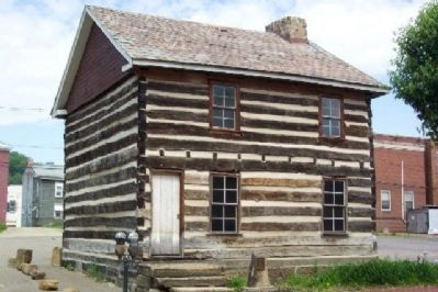 1788 Wells Log House and Marker image. Click for full size.