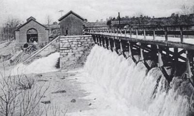 Columbia Canal Flood Gates Photo, Click for full size
