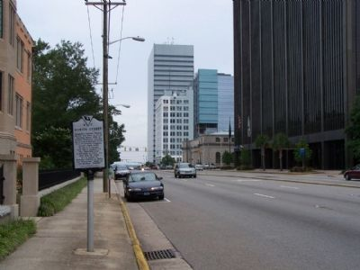 Marion Street Marker, Looking back westward along Gervais St. image. Click for full size.