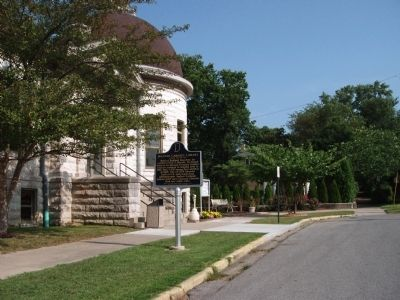 Long View Side B - - Sullivan Carnegie Library Marker image. Click for full size.