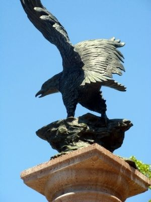 Eagle Sculpture image. Click for full size.