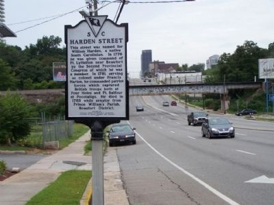 Harden Street Marker, looking westward along Gervais Street. image. Click for full size.