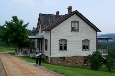 The Unger House and Marker image. Click for full size.