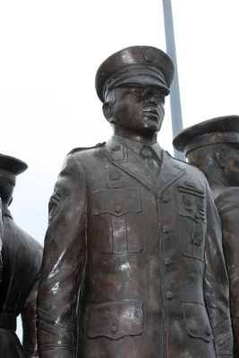 Another Military Statue image. Click for full size.