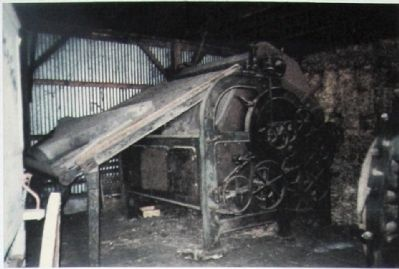 Hemp Carding Machine image. Click for full size.