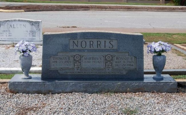 Norris Family Tombstone - Front image. Click for full size.