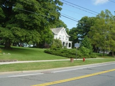 Hambletonian Marker with former William Rysdyk residence in background. image. Click for full size.