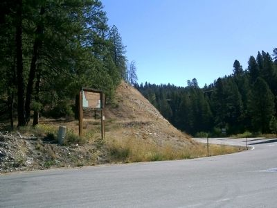 Grimes' Creek Marker at Crossroads Along Hwy 21 image. Click for full size.