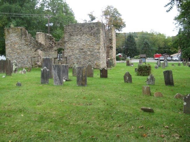 Old Stone Union Church & Graveyard image. Click for full size.