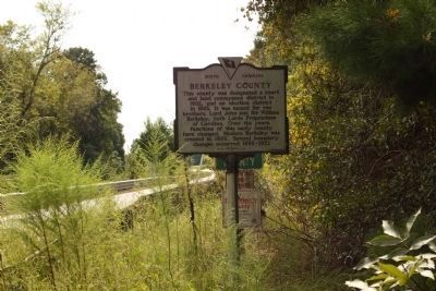 Berkeley County Marker, looking south along Old State Road image. Click for full size.