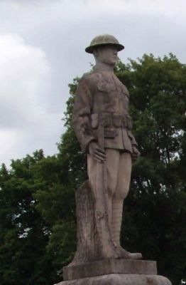 Right Front - World War I Statue image. Click for full size.