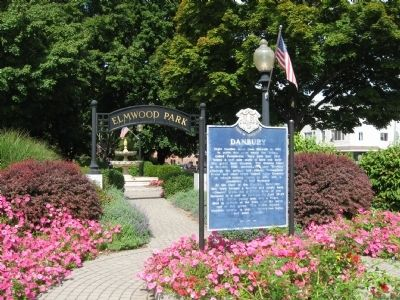 Danbury Marker at the South Entrance of Elmwood Park image. Click for full size.