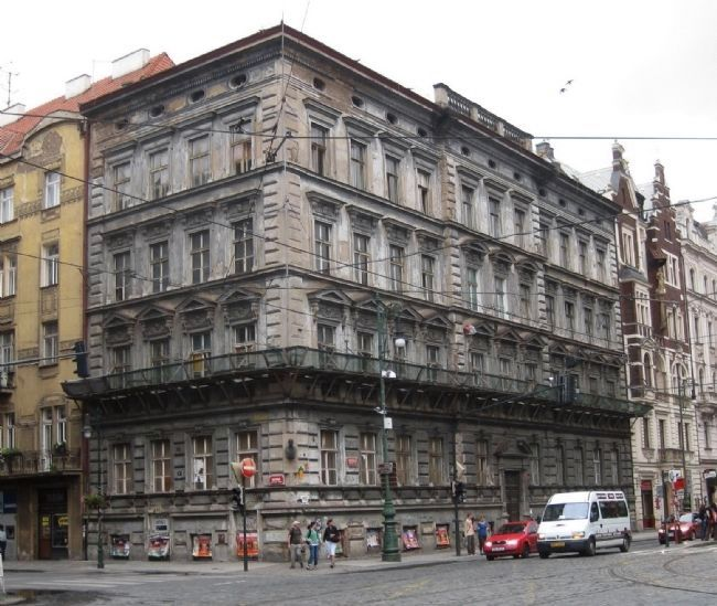 The Building in Which Jaroslav Heyrovsk� Was Born image. Click for full size.