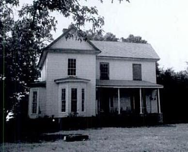 Lafayette Young House - Located on Old Milton Road Photo, Click for full size