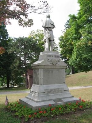 Rear View of the Monument image. Click for full size.