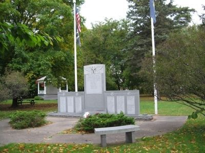 Brattleboro Veterans Monument in The Common. image. Click for full size.
