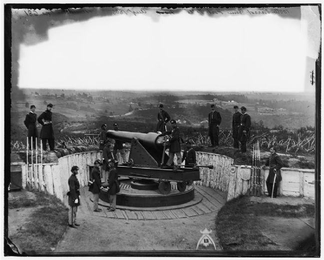 Civil War Photograph of the 100-pdr Parrott image. Click for full size.