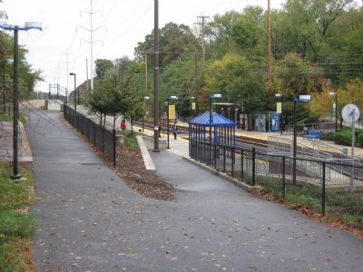 Linthicum Light Rail Station image. Click for full size.